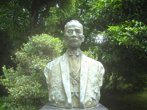 鈴木梅太郎博士銅像.14.05.14.
