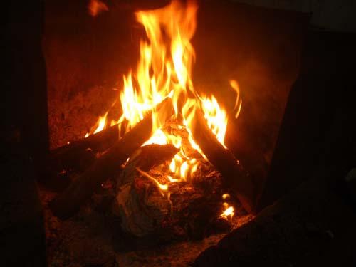 薪ストーブの炎.13.01.01.