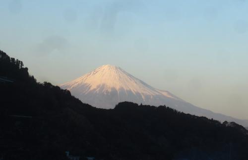 小坂から見た1月の富士山.13.01.27.
